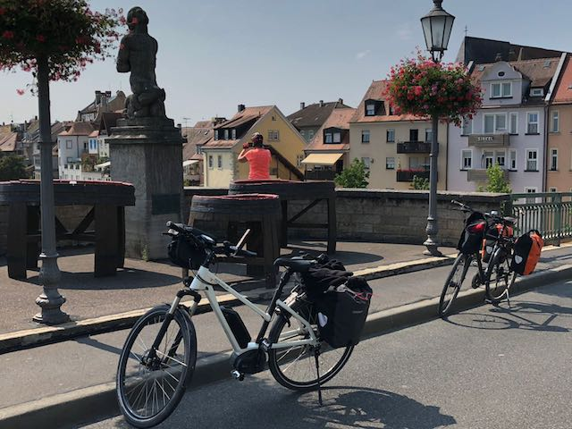 Tag 13 Bergrheinfeld bis Creglingen – Weinfelder und Schäufele