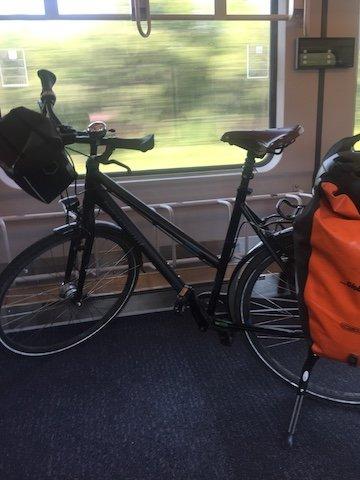Bahn und Fahrrad
